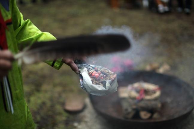 membakar sacred fire